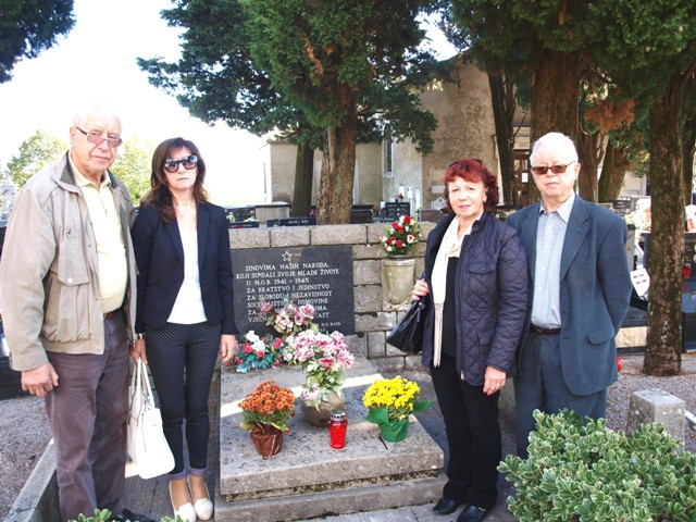 Kraj spomen-kosturnice boraca iz NOB-a na groblju u Rukavcu